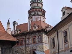 第2の中庭から見上げた塔。