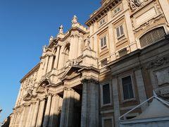 1<サンタ・マリア・マッジョーレ大聖堂> ヴァチカン美術館の予約が9時だったため、朝イチでローマ四大バシリカの一つ「サンタ・マリア・マッジョーレ大聖堂」に行くことにしました。 今日もいい天気です。暑くなりすぎないといいけど・・・。