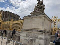 友達がベルサイユ宮殿に来るということで  急遽、お迎えに