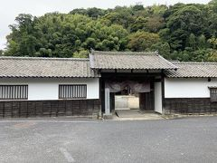 次は、石見銀山資料館(大森代官所の跡地)へ行きます。ここには、1815年建築の表門と門長屋が残っていると。入場料500円でした。