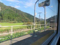 長いトンネルを抜けると、南今庄駅、通過。