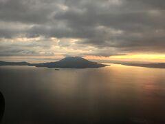 金色に輝く錦江湾と桜島が綺麗でした。