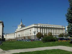 遥か彼方には旧共産党本部が見えます