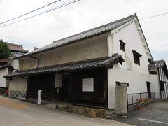 旧木原家住宅、国指定の重要文化財。江戸時代初期1665年の建築で、西国で最も古い町家の一つとされています。江戸中期に見られる装飾性はなく、粗大なつくりで、当時の町屋の形態をよく残しているそうです。