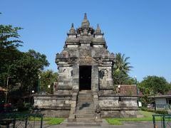 次に行ったのがパオン寺院 屋根の形とかはこっちのほうが好きだけど、特に何もない・・