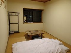 本日の宿「井元旅館」。バス・トイレ共同で素泊まり1泊4180円。