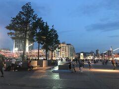 市街地の中心にあるタクシム広場。ツアー用の大きなホテルはこの辺りに集まっている。
