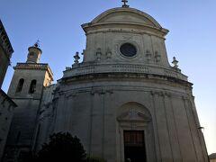 町の教会。 サンテティエンヌ教会(Eglise Saint-Etienne)