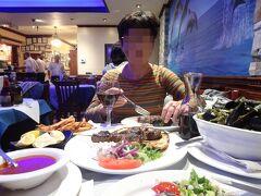 ・・ということで、アストリアのアパートから近くで夕食へ 日本人には向いている、再度ギリシャ料理店へStamatisへ(先日とは違う店) あきなから良い。