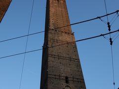 ボローニャのシンボル的な存在であるボローニャの斜塔