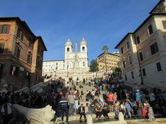 スペイン広場。 ここもローマの休日で有名ですよね。