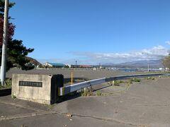 旧フェリー埠頭。最盛期には1日7便の船が出入りしていたそう。新しい埠頭を作ったのはいいけど、遠くなって、1日1便しかなくなって、市街地に近いこちらの埠頭は全く使われていないようでした。