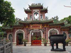 では、観光開始です。 まずは福建会館。  中国人の為の集会所だそうです。
