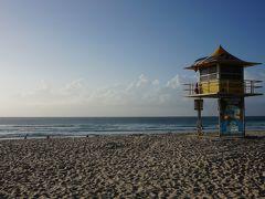 朝のブロードビーチ
