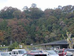 駐車場から見た越前大野城。
