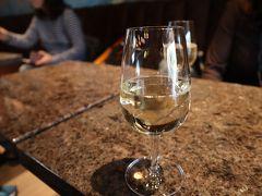 見学ツアーは満員でしたので、1杯だけワイン(300円)をいただきました。