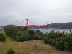 のんびりしてから北上します。 平戸大橋を渡り、平戸島に入りました。