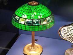 ニューヨーク歴史協会。受付で、アメリカ自然史博物館じゃないけど大丈夫?と念押しされる(笑)間違える観光客が多いんだろうな。お目当てのティファニーのランプは1時間くらい見てたかも。島根の松江でも見たことあったけど、こちらは点灯されているので本当にきれい。