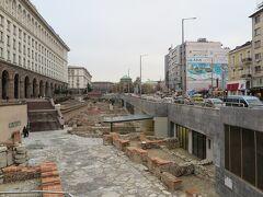 セルディカ駅前の地下には古代都市セルディカの遺跡があります。