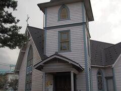 七日町通りから少し外れて、野口英世ゆかりの教会に寄り道。どうやったらかっこよく撮れるか試行錯誤。旅行には広角レンズほしいよなぁ~。内部は見学できず。