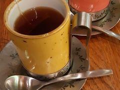 朝食  とりあえず紅茶を(*^_^*)
