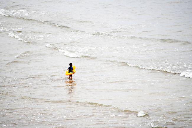 その後、昼食に大西洋岸へ。<br />魚のタジン料理を食するのですが、時間が早すぎたので付近を散策。<br /><br />こんな時間が写真撮影には貴重です。