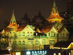 この日はあこがれのホテル、Moller Villa Shanghai泊。このホテル、もとはイギリスのMollerという方の豪邸。デポジット1000元!(カードOK)