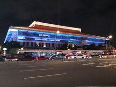 食事を終えて台北駅を見ながらシーザーパークホテルへ戻りました