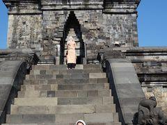 まずはムンドゥッ寺院