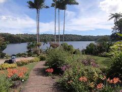 続いてはバリン湖。時間がイマイチなのか人はあまりいなかった。ここは湖畔にカフェがあるので、そこで食事するのは楽しそう。