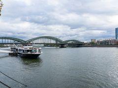 ライン川のほとりをお散歩する時間はとっても気持ちよかったです。