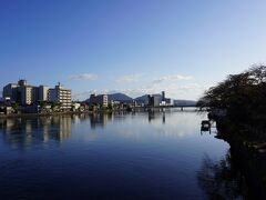 米子駅からてくてく歩いていきます。