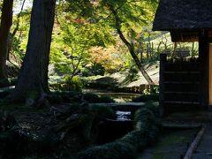 西山荘 紅葉のシーズンでした。