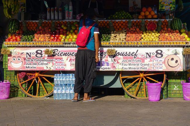 マラケシュで一番面白かったのはジャマエルフナ広場。