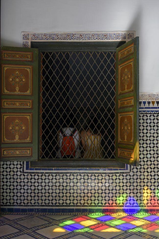 ツアー最終日はマラケシュ観光。<br />バヒア宮殿では光が美しかったです。