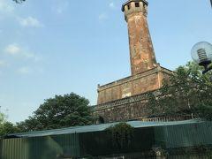 タンロン城へ 塔と