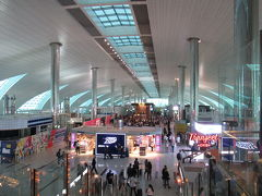 ドバイ国際空港 (DXB)