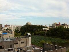 09/20/2010 明けて2日目、窓の外を見ると曇りがちながらも明るい光も。
