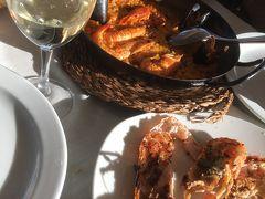 cal pinxo platja 海辺のテラスでランチ 料理もワインもロケーションも最高!