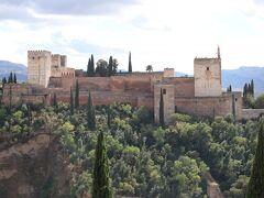 世界遺産・アルハンブラ宮殿。 サン・ニコラス展望台からの眺めです。  ~~~~~グラナダ編に続く~~~~~