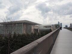 ミレニアムパークを南下し、シカゴ美術館へ。