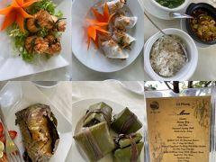 ミーソン遺跡ツアーの後のランチは川沿いのベトナムレストラン。