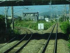 会津若松駅は、スイッチバック駅。どちらも磐越西線。 左方向が新津方面で、さっき乗ってきた区間。