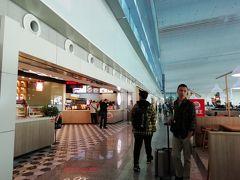 広州空港着、ここで6時間の乗継時間 忙しい人にはここがネックだね 帰りは2時間半だったので良かったけど