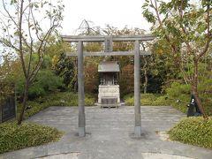 鉄道神社 (JR博多シティ屋上 つばめの杜ひろば)
