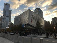 ここは9.11メモリアル博物館。 中に入りたかったのですが友達に興味ないと言われてしまったため、この日は断念。後日別行動をする日に行きました。
