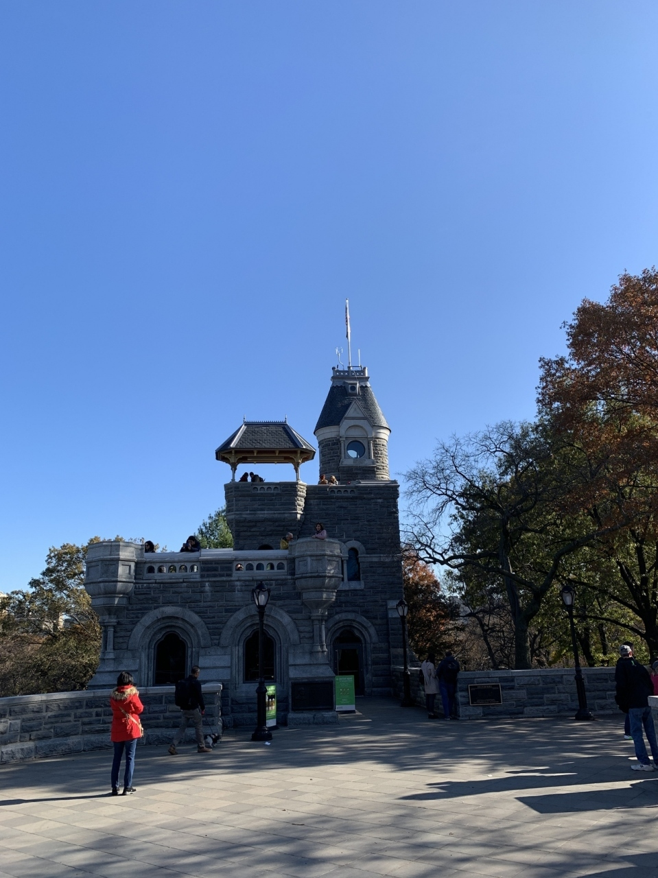 今回のマンハッタンでの高いところシリーズ第一弾は、ベルヴェデーレ城です。唯一タダで上れます。