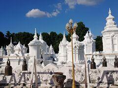 チェンマイで最もエレガントと言われてる仏塔  寺院ではなくて、チェンマイ王家のお墓なんだとか!!
