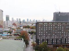 全室バルコニー付き。 正面に東京タワーやグランドプリンスホテル高輪。