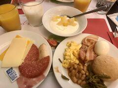 3日目もホテルの朝食からスタートです。 朝食メニューは特に変わりません(笑)  ブリュッセルのホテルをチェックアウトして、アントワープへ。